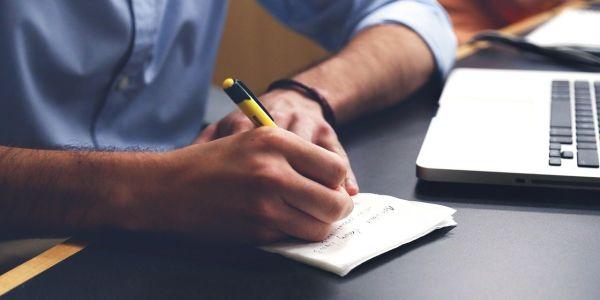 Ajuda per fer CV i entrevistes de treball